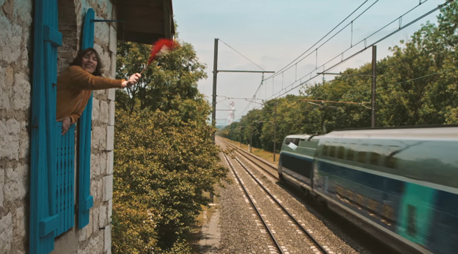 Still from Le Femme et le TGV. Courtesy of Giacun Caduff